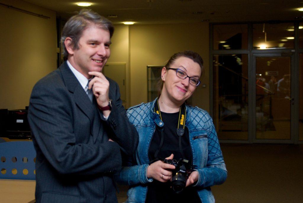 Patroni i współorganizatorzy wystawy -Pan Dyrektor Przemysław Zieliński, oraz Pani Kierownik Sekci Promocji  Katarzyna Bikowska.