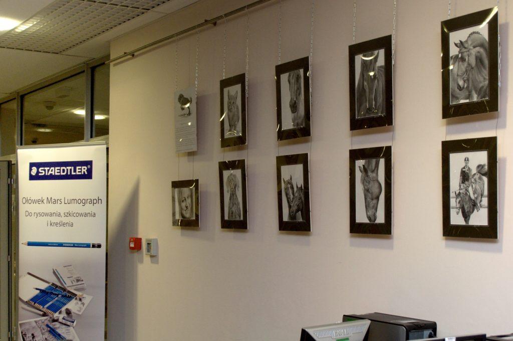Kilka prac z wystawy, rysowanych olowkami Staedtler